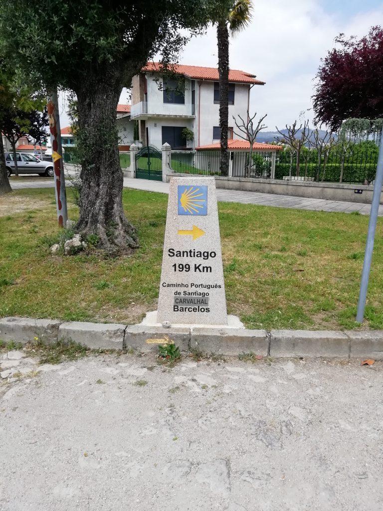 Caminho Portugues - Kilometerstein, noch 199 km bis Santiago