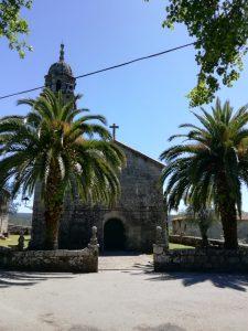 Caminho Portugues Tag 10 - Kirche, umgeben von Palmen