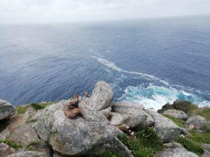 Caminho Portugues - Kap Fisterra - Felsen mit Brandung